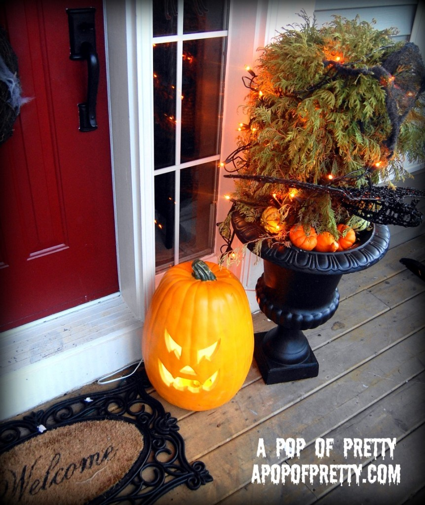 Halloween Decorating On The Front Porch (No-Carve Pumpkin