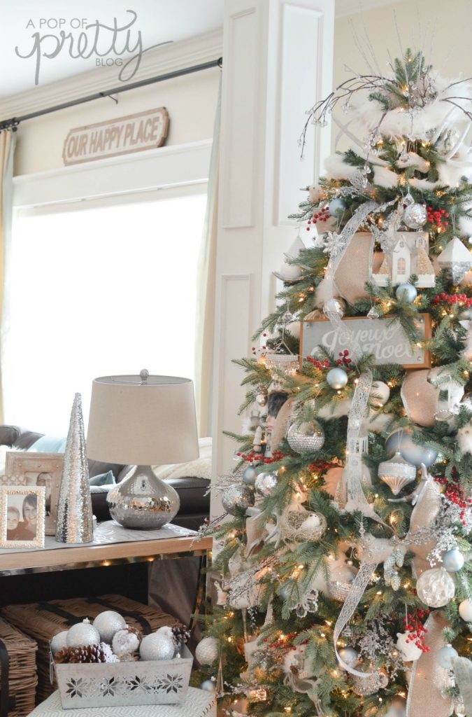 Canadian bloggers 2016 christmas tour winter wonderland for Home decorations canada